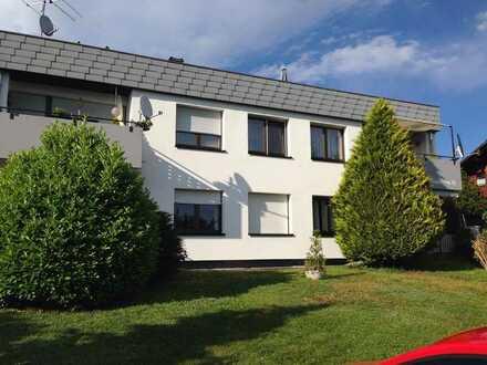 Sanierte 4-Zimmer-Dachgeschosswohnung mit Balkon und Einbauküche in Küssaberg