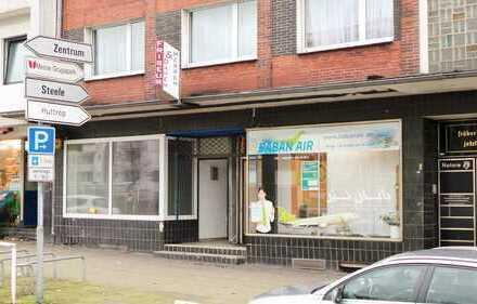Geräumiges Ladenlokal an einer sehr belebten Kreuzung zur Nutzung als Büro, Ladenlokal oder Lager