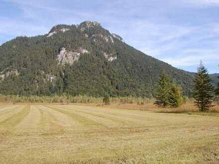 Idyllisch gelegenes landwirtschaftliches Grundstück in der Nähe von Oberammergau