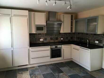 Vollständig renovierte 3-Zimmer-Wohnung, Bad, Küche mit EBK in Bad Orb