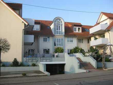 Moderne 3-Zimmer-Wohnung mit Balkon und Einbauküche in Landau-Godramstein