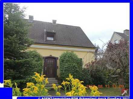 Agent´s Gartenidylle im 2-Familienhaus