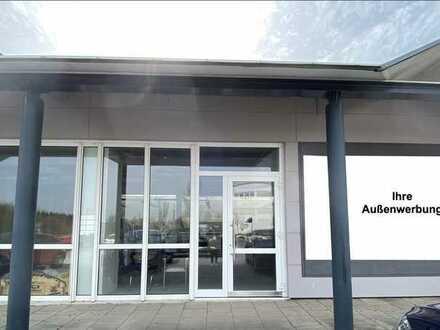 Attraktiver Showroom / flexibel gestaltbare Büro- oder Verkaufsfläche / Schulungsraum - Hof