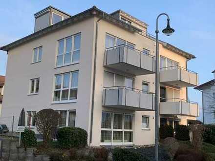Moderne 2,5 Zimmerwohnung mit HMS, Einbauküche und Tiefgarage Baujahr 1995 in Weissach im Tal