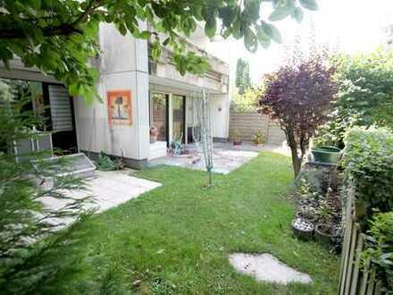 ...familienfreundliche 3 Zimmerwohnung mit 2 Terrassen und großem Garten...