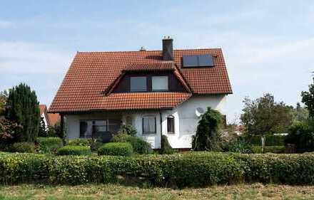 Naturliebhaber aufgepasst: schönes Haus mit einem großzügigen Garten im Bachtal!