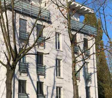 Helle, moderne 3-Zimmer-Wohnung mit Balkon und Einbauküche in zentraler Lage von Langenfeld