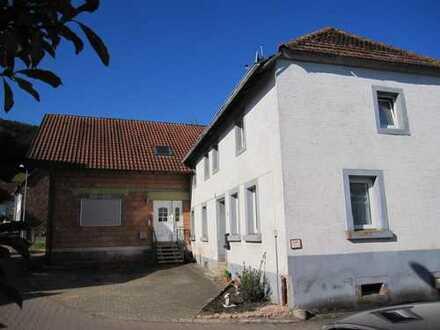 Queidersbach - Zwei Einfamilienhäuser im Ortskern