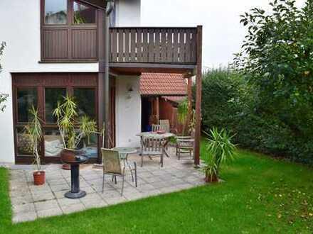 Möbliertes WG Zimmer mit Balkon in schöner Doppelhaushälfte