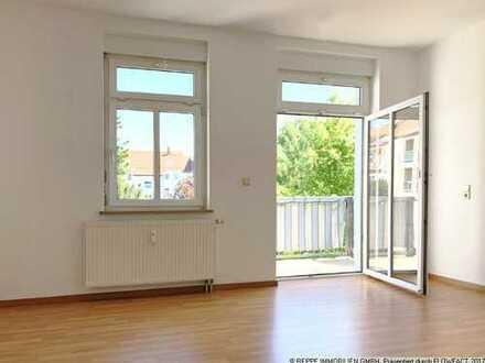 Helle 2-Raum Wohnung mit EBK und Garten in zentraler Lage