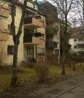 Modernisierte 2-Zimmer-Wohnung mit Terrasse, Balkon und Einbauküche