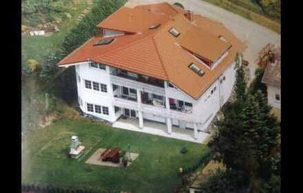 Attraktive 3-Raum-Wohnung mit EBK und Balkon in Weilrod