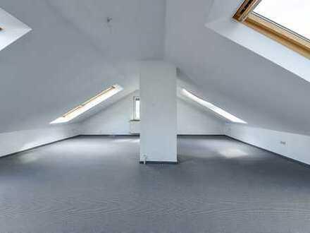 Helle, geräumige zwei Zimmer Dachgeschosswohnung in Bad König, Odenwaldkreis