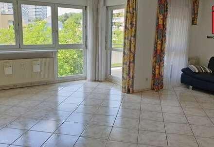 Hier fehlen nur noch Ihre Möbel! 3,5 Zimmerwohnung in Sindelfingen