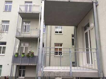 Neue WG im renovierten Altbau (Paulusviertel)