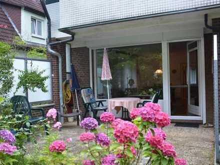Reserviert- vermietete Erdgeschosswohnung mit Terrasse in zentraler Wohnanlage in Rahlstedt