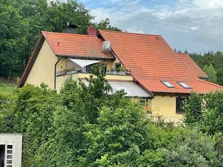 Bestlage! Studio-Wohnung, gr. Dachterrasse, ideale Fernsicht + Klimaanlage + Garage!