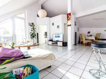 Lichtdurchflutete Penthouse-Wohnung mit Fernblick und Ost-Süd-Terrasse