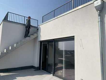 Erstklassige DG- Wohnung, Neubau mit Sauna,Dachterrasse,Balkon auch andere Größen !