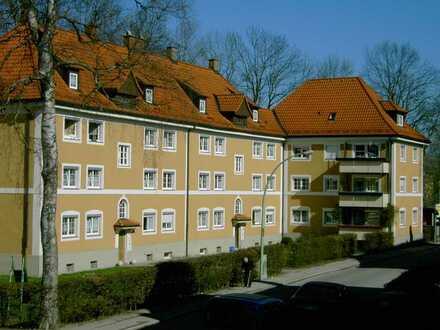 geräumige 2-Zimmerwohnung mit Balkon im Altbaugebiet