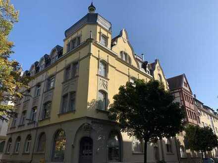 Charmante 5-Zimmer-Altbauwohnung in der Weststadt