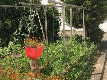 Einfamilienhaus mit großem Garten von Privat, Kissing