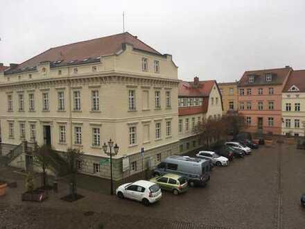 Komplett möblierte 1-Zimmer-Dachgeschosswohnung mit EBK in Havelberg