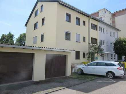 Schöne, ruhige zwei Zimmer Wohnung, zentral in Fellbach