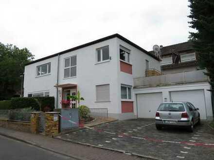 Schöne, helle fünf Zimmer Wohnung in Bad Homburg, Stadtteil Gonzenheim.