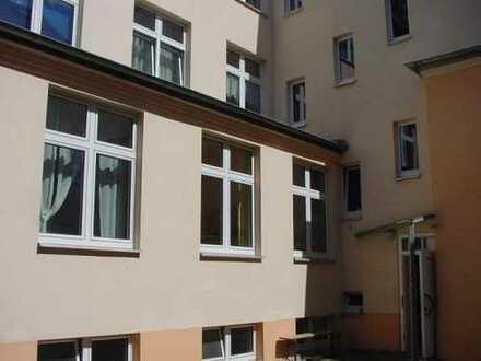 Repräs. Büro /Praxis /Tanz /Therapie /Schulungs-Räume in ruhigem Hofgebäude zum 1.01.2020 zu verm.