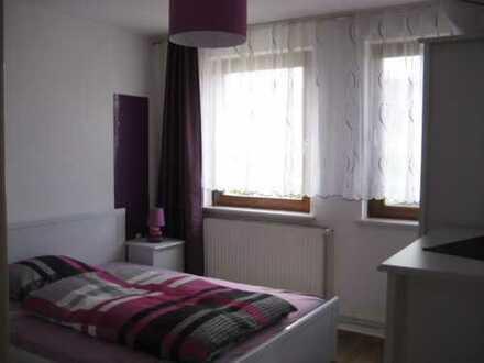 Gepflegte 2-Zimmer-Wohnung mit Balkon und EBK in Bremen Neustadt