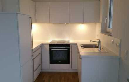 Neubau: exklusive 2-Zimmer-Wohnung mit Einbauküche und Loggia in Filderstadt-Plattenhardt