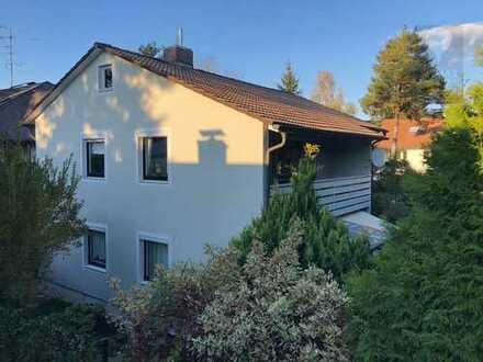Ruhige 3 Zimmer OG Wohnung mit Balkon in 2-Familien-Haus mit eigenem Eingang