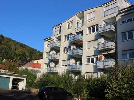 Gepflegte 4-Zimmer-Obergeschosswohnung mit Balkon und Garage