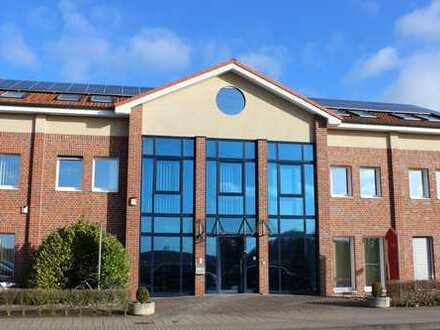 Büroräume im Dachgeschoss in hochwertigem repräsentativem Bürogebäude