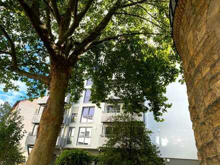 Einfach Wohlfühlen! 5-Zimmer-Stadtwohnung im Lindenhof mit Balkon