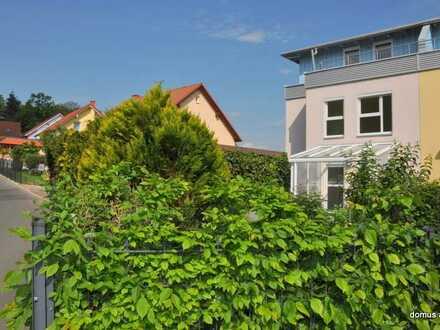 * schönes Eckhaus Am Wartberg – 2 Garagen – EBK - Garten – Süd - Terrasse