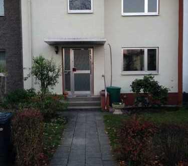 Gepflegtes Reihenmittelhaus mit 4 Zimmern in ruhiger Wohnstrasse in Köln Longerich