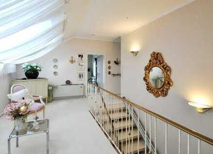 630.000 €, 400 m², 6 Zimmer