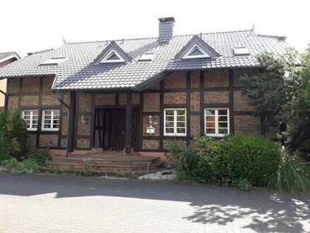 großes Einfamilienhaus (Erbbaurecht) zu verkaufen