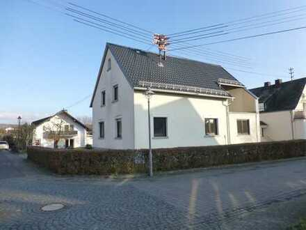 Neu saniertes Haus, Ortsmitte Dreikirchen, Westerwald