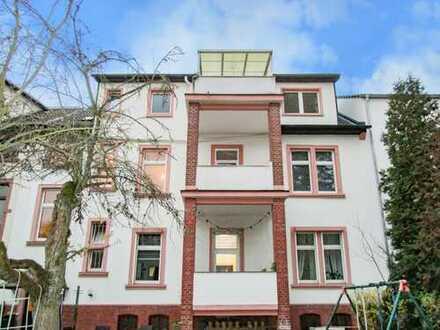 Erstbezug nach Sanierung: Großzügige 3,5-Zimmer Wohnung in zentraler Lage