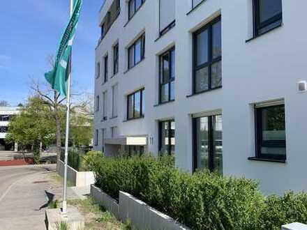 Exklusive, neuwertige 3-Zimmer-Wohnung mit Balkon und EBK in Leonberg