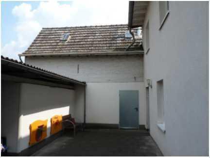 ***Schönes Einfamilienhaus mit Einliegerwohnung und Gewerbeeinheit in Bonn-Hersel***