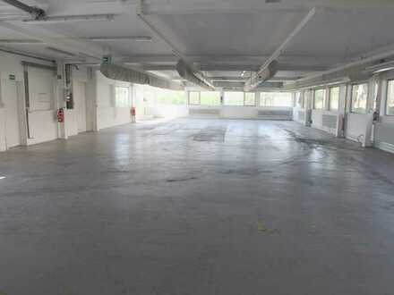 Funktionale Halle mit ausbaufähiger Betriebswohnung in Schwanheim