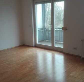 Schöne, geräumige zwei Zimmer Wohnung in Potsdam-Mittelmark (Kreis), Nuthetal