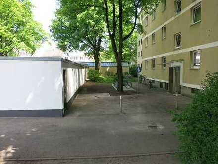 Max. 1 Person! München Au! Helle, gepflegte und sehr zentrale 1-Zimmer Wohnung mit EBK im 1.OG