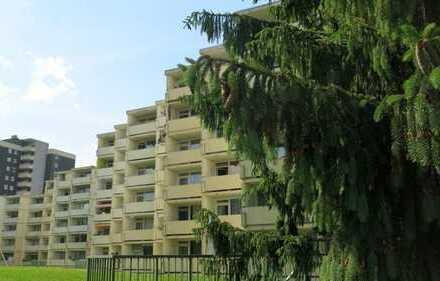 3-Zimmer-Wohnung mit Balkon, Garage, Schwimmbad und Sauna