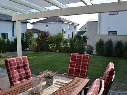 Exkl. Erdgeschosswohnung mit Garten und Garage in Jockgrim.