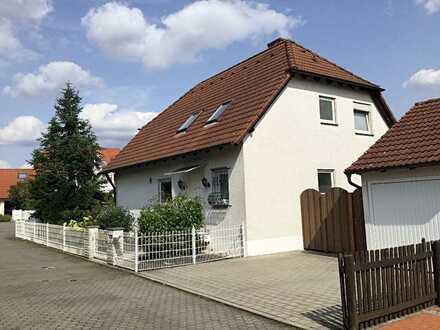 Freistehendes Einfamilienhaus mit Garage in Herzogenaurach (Lohhofgebiet)